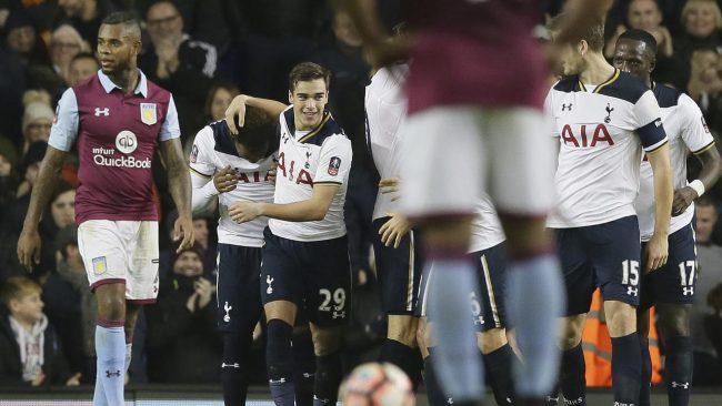 Mauricio Pochettino menyatakan bahwa dirinya pasrah bila tim besutannya, Tottenham Hotspur gagal untuk pindah ke stadion baru dimusim ini